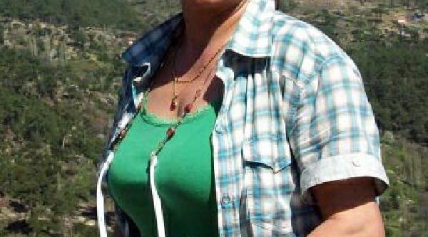 Evinde Ölü Bulunan Avukatin Kizi Yillar Önce Intihar Etmiş