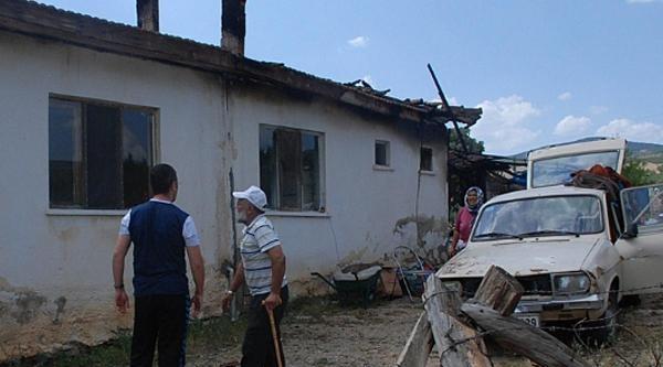 Evinin Yanmasından Bir Hafta Sonra Kazada Öldü