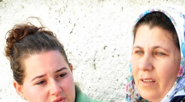 Evleri Yanan Anne-kız Gözyaşlarına Boğuldu