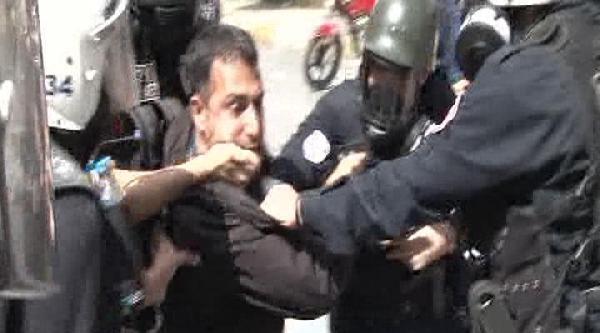 Eylemci Böyle Gözaltına Alındı, Vatandaşlar Tepki Gösterdi