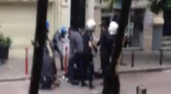 Eylemci İle Sivil Polis Böyle Boğuştu