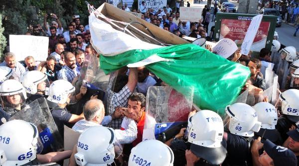 Eylemci İşçilere Polis Müdahale Etti