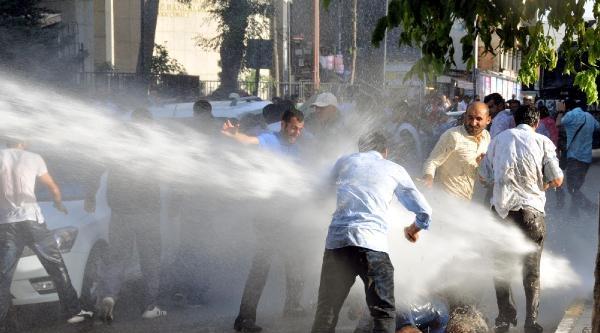 Eylemci İşçilere Polis Müdahalesi