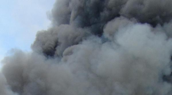 Fabrika Yangınında Hastaneye Kaldırılalar Taburcu Oldu
