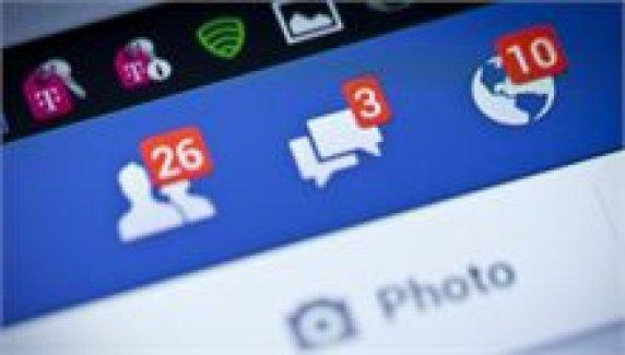 Facebook'ta 'çıkartma' dönemi