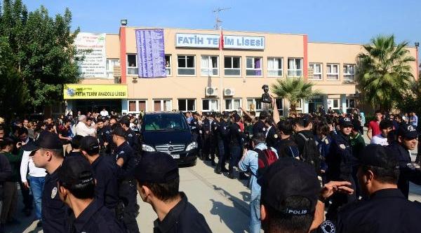 Fatih Terim Adana'da Okulu'nu Ziyaret Etti