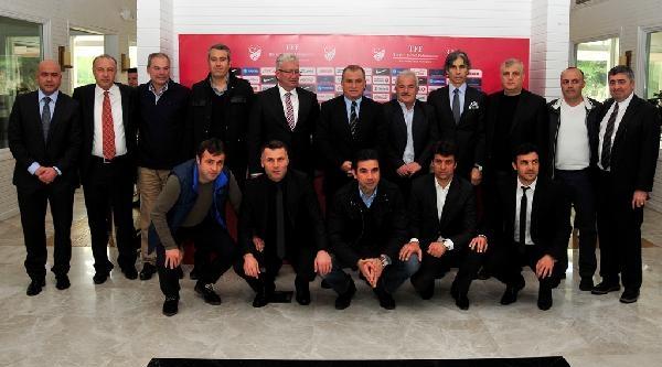 Fatih Terim, Ptt 1.lig'de Görev Yapan Teknik Adamlarla Buluştu