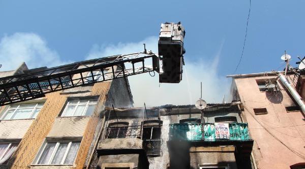 Fatih'te Yangın Korkuttu