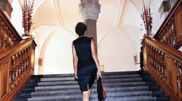 Fatma Demir, Danimarka Parlamentosunun En Şik Milletvekili Gösterildi