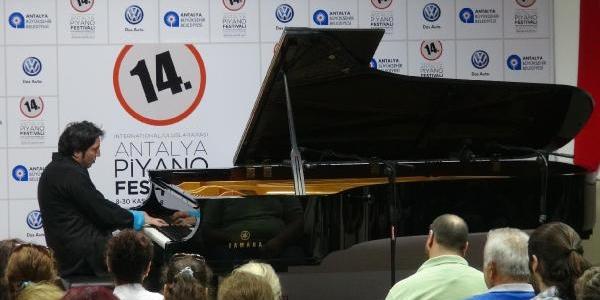 Fazil Say'dan Manavgat'ta Halk Konseri