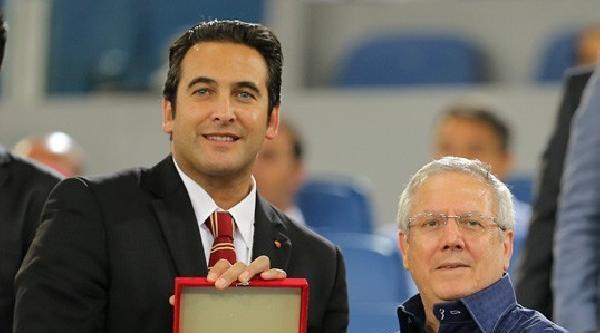 Fenerbahçe Başkanı Yıldırım'a Roma Kulübü Ceo'sundan Plaket