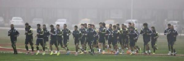Fenerbahçe Hücum Ve Defans Çalişmalari Yaptı