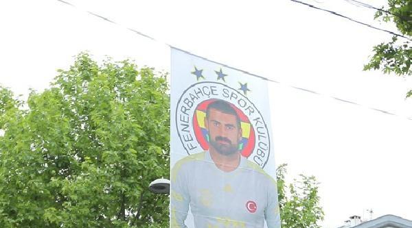Fenerbahçeli Futbolcuların Fotoğrafları Bağdat Caddesi'nde