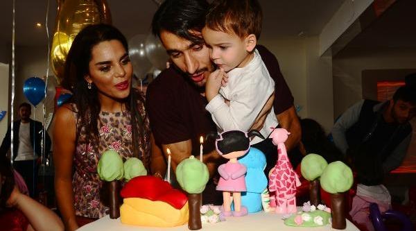 Fenerbahçeli Mehmet Topal Çifti Oğullarinin Yeni Yaşini 50 Çocukla Kutladi