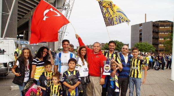 Fenerbahçeli Taraftarın Kopenhag Çikarmasi