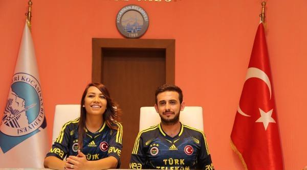 Fenerbahçelinin Nikahı Da Sarı Lacivert Olur