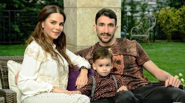 Fenerbahçe'nin İki Yıldızı Mehmet Topal İle Emre Belözoğlu, Kimsesiz Çocuklara Oynamaları İçin Park Yaptırdı