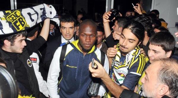 Fenerbahçe'ye Antalya'da Coşkulu Karşilama