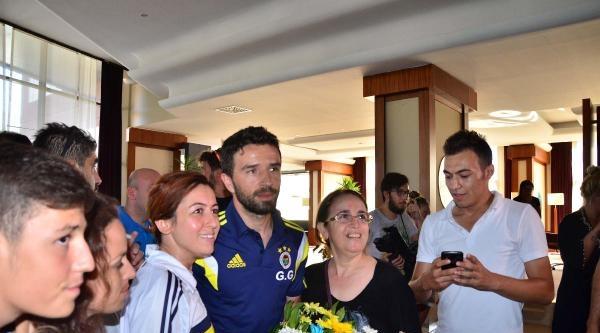 Fenerbahçe'ye Manisa'da Coşkulu Karşılama