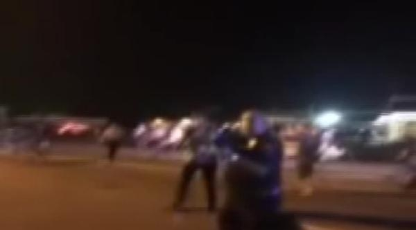 Ferguson'da Polisin Gazetecilere Silah Doğrulttuğu An