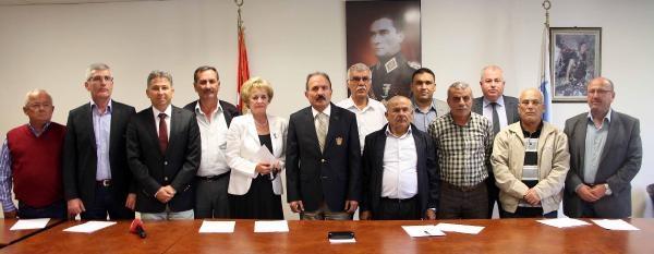 Fethiye Belediye Başkani Saatci, Mhp'den Istifa Etti