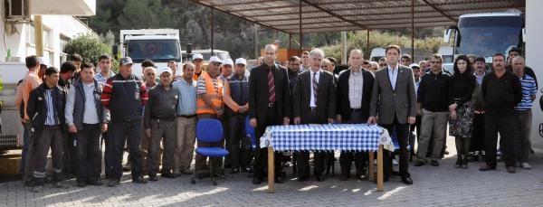 Fethiye'de 50 Belediye Işçisi Mhp'den Istifa Etti