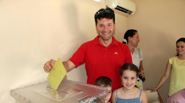 Fethiye'de Cumhurbaşkanlığı Seçimi İçin İlk Oylar Kullanıldı