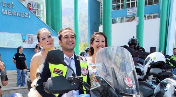 Fethiye'de Motosikletli Düğün Konvoyu