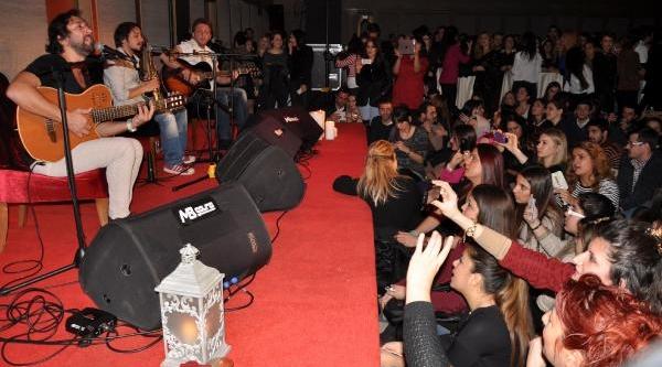 Fettah Can, Zonguldak'ta Hayranlarini Coşturdu