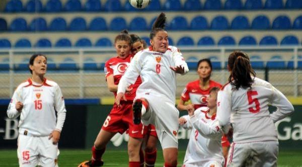 Fifa Kadinlar Dünya Kupasi Türkiye - Karadağ Maçi (Fotoğraflar)