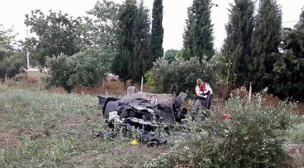 Foça'da Aşırı Hız Kazası: 2 Ölü, 1 Yaralı