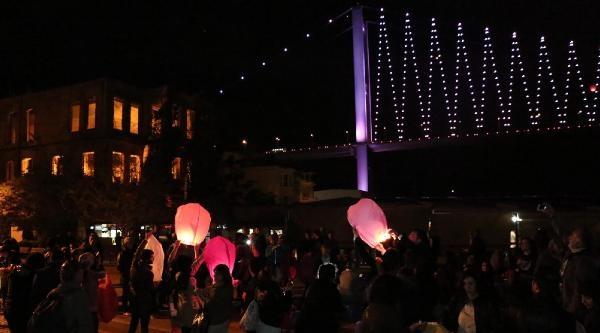 (fotoğraf) Gezi Partisi Dilek Feneri Uçurdu