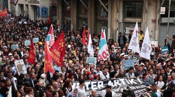 (fotoğraf) İstiklal Caddesi'nde Polis Müdahalesi