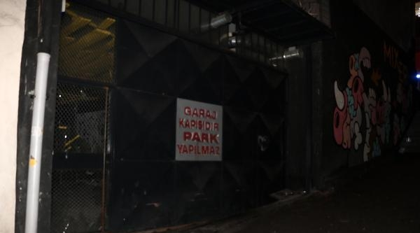 (fotoğraf) Tophane'de Sanat Galerisine Saldırı
