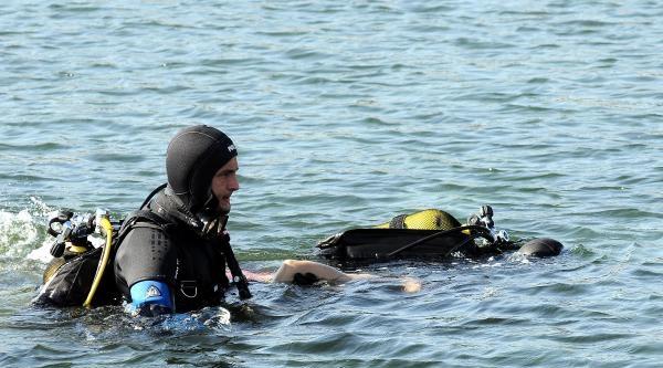 Fotoğraflar // 19 Yaşındaki Genç Serinlemek İçin Girdiği Denizde Can Verdi