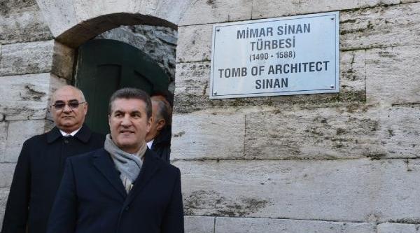 Fotoğraflar (1) - Sarigül, Mimar Sinan'in Mezarini Ziyaret Etti
