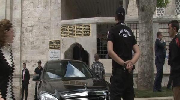 Fotoğraflar (2) - Başbakan Erdoğan Cuma Namazını Beylerbeyi'nde Kıldı