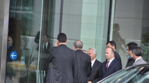 Fotoğraflar - Başbakan Ankara'ya Gitmeden Önce Atatürk Havalimanı'nda Görüşmelerde Bulundu