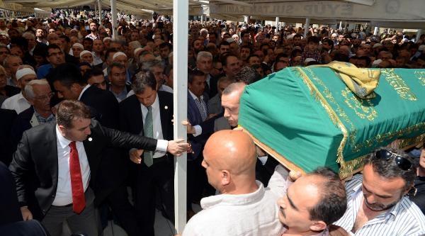 Fotoğraflar - Başbakan Erdoğan Soma'da Ölen Madenciler İçin Gıyabi Cenaze Namazı Kıldı
