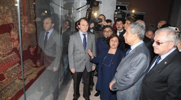 Fotoğraflar -  Başbakan Yardimcisi Bülent Arinç'in Ayasofya Açiklamasi