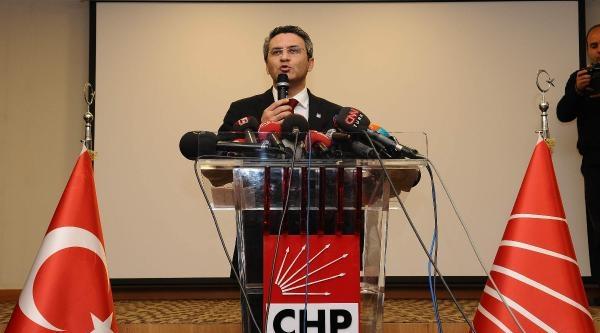 Fotoğraflar// Chp İstanbul İl Başkanı Salıcı, Basın Toplantısı Düzenledi