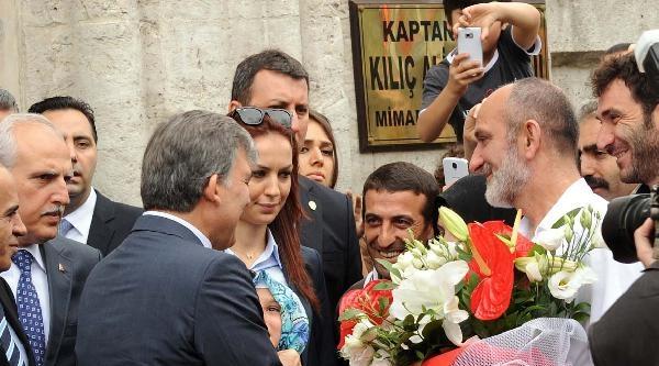 Fotoğraflar - Cumhurbaşkanı  Gül, Cuma Namazını Tophane'de Kıldı