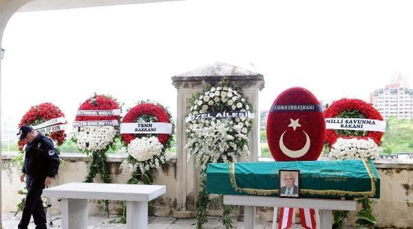 Fotoğraflar// Genelkurmay Başkanı Orgeneral Necdet Özel Kayınpederinin Cenaze Törenine Katıldı