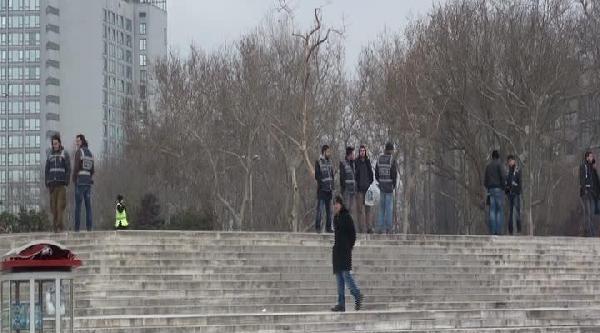Fotoğraflar - Gezi Parkı Kapatıldı
