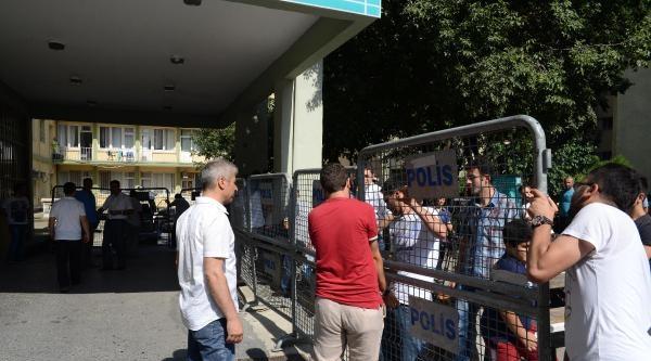 Fotoğraflar// Gözaltındaki Polisler Sağlık Kontrolünden Geçiriliyor