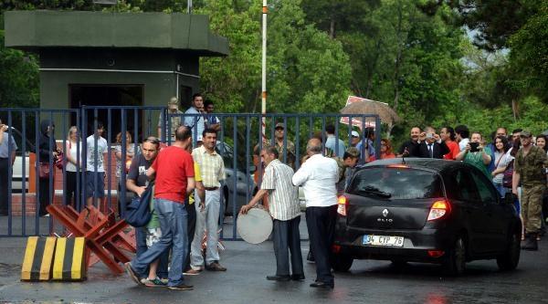 Fotoğraflar// Hasdal Askeri Cezaevi Önünde Hareketlilik