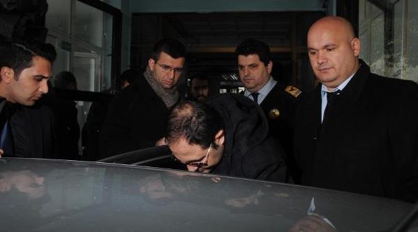 Fotoğraflar// Içişleri Bakani Muammer Güler'in Oğlu Bariş Güler Sağlik Kontrolünden Geçirildi