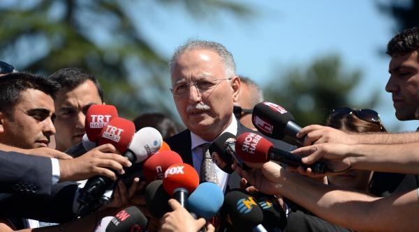 Fotoğraflar - İhsanoğlu, Gül'ü  Ziyaret Etti, Ayrılırken Aracından Zafer İşareti Yaptı