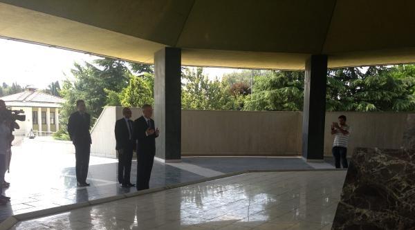 (fotoğraflar) İhsanoğlu Menderes, Özal Ve Erbakan'ın Mezarlarını Ziyaret Etti