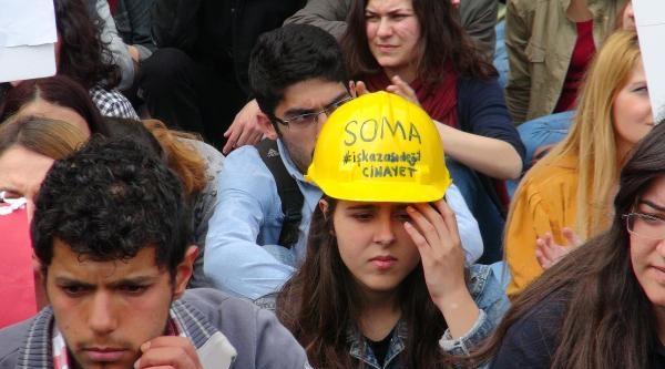 Fotoğraflar /// İstanbul Üniversitesi Öğrencilerinden Soma İçin Boykot